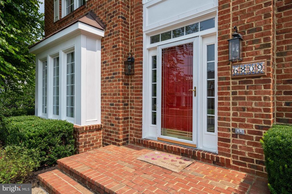 Welcome Home to 6809 Clifton Grove! - 6809 CLIFTON GROVE CT, CLIFTON