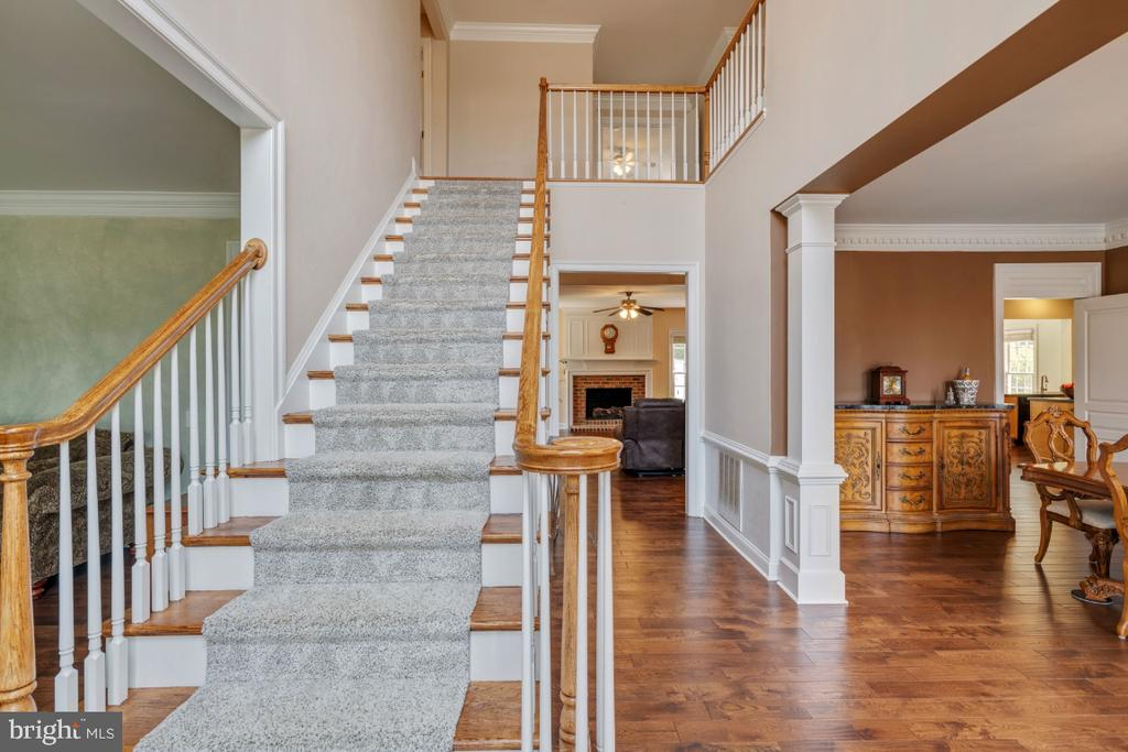 Stairway to Second Level - 6809 CLIFTON GROVE CT, CLIFTON