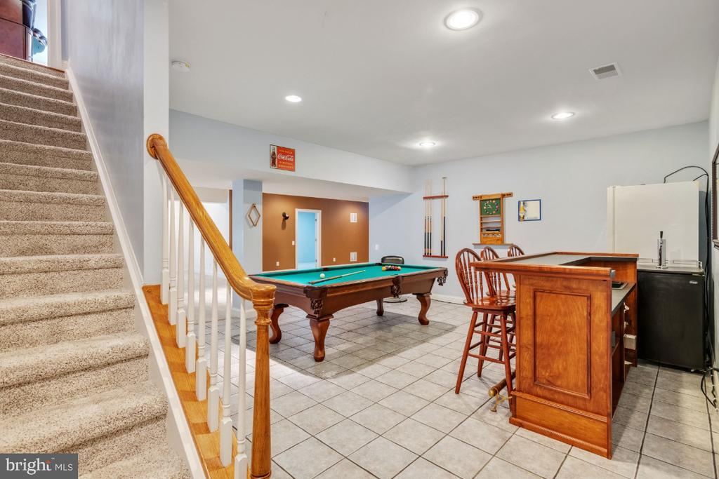 Great Billiards and Bar Area - 6809 CLIFTON GROVE CT, CLIFTON