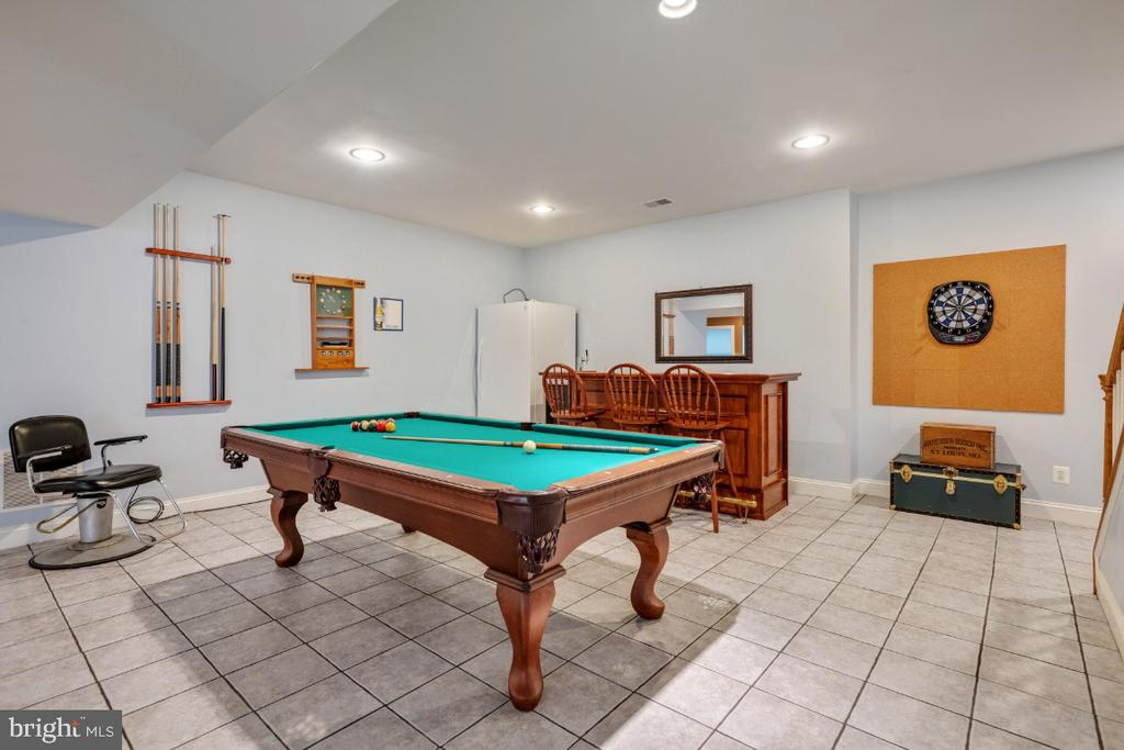 Billiards & Bar Area - 6809 CLIFTON GROVE CT, CLIFTON
