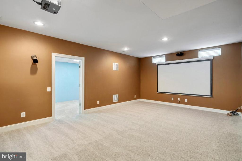 Huge Rec Room with Projector & Screen - 6809 CLIFTON GROVE CT, CLIFTON