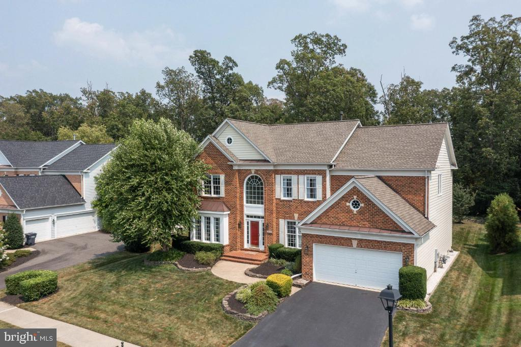 Great Brick Front - 6809 CLIFTON GROVE CT, CLIFTON