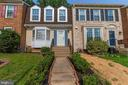 Front of Home - 11572 OVERLEIGH DR, WOODBRIDGE