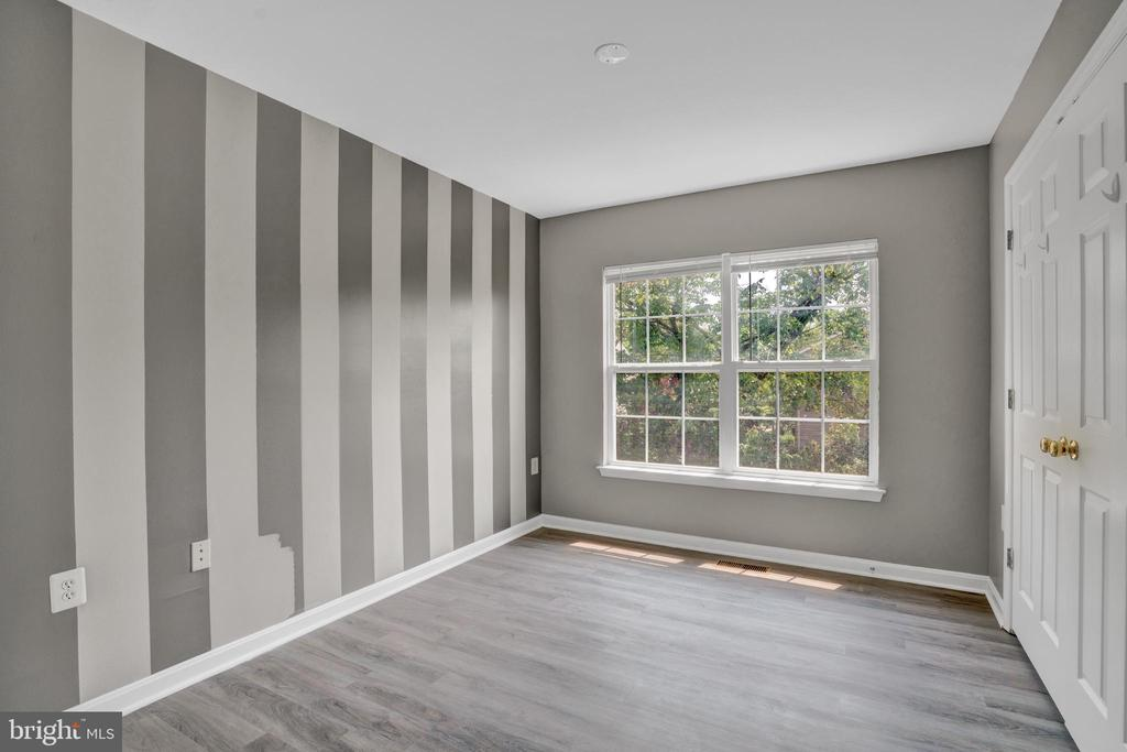 Spacious Bedroom #2 with Nature Views! - 23114 BLACKTHORN SQ, STERLING