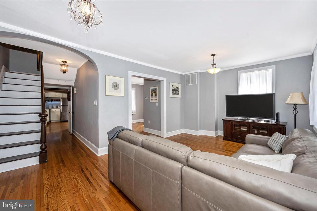Spacious living room for gatherings - 123 W 5TH ST, FREDERICK
