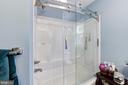 Upper Level Full Bath 2 - 8104 FLOSSIE LN, CLIFTON