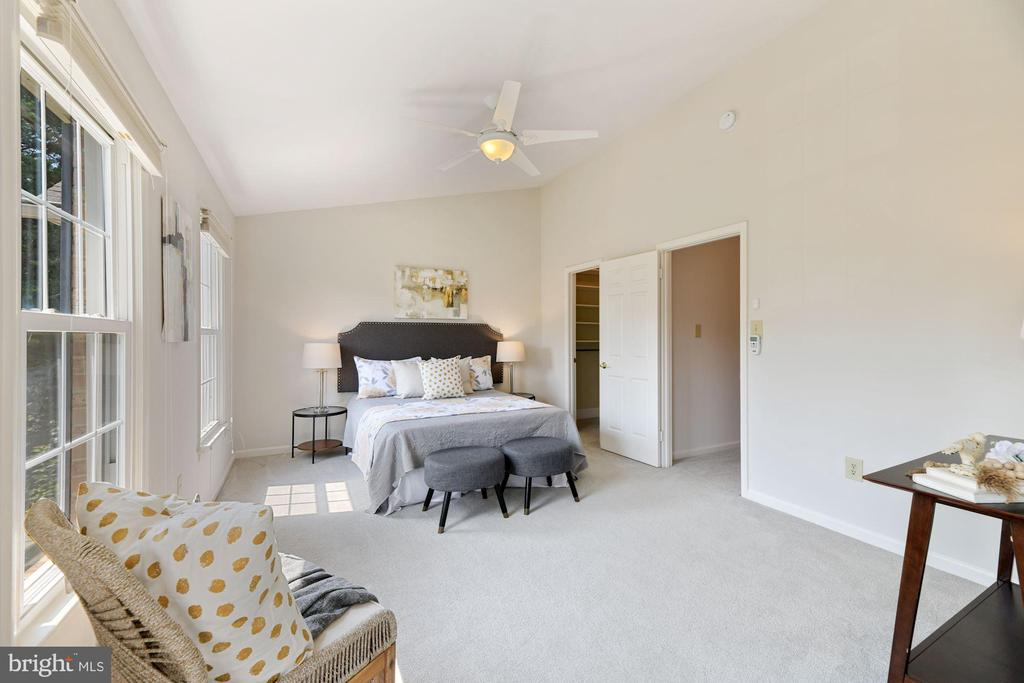 Primary BR (Along w/ Entire Home) Freshly Painted! - 8009 MERRY OAKS LN, VIENNA