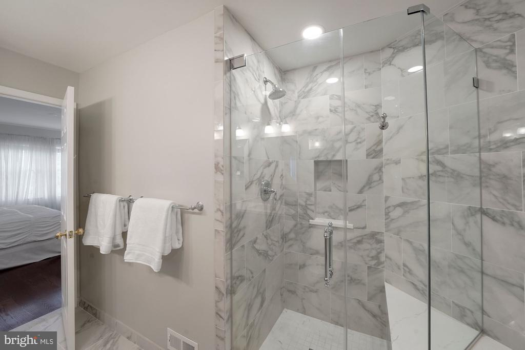 Gorgeous Primary Bathroom with Marble Tiles - 12079 CHANCERY STATION CIR, RESTON