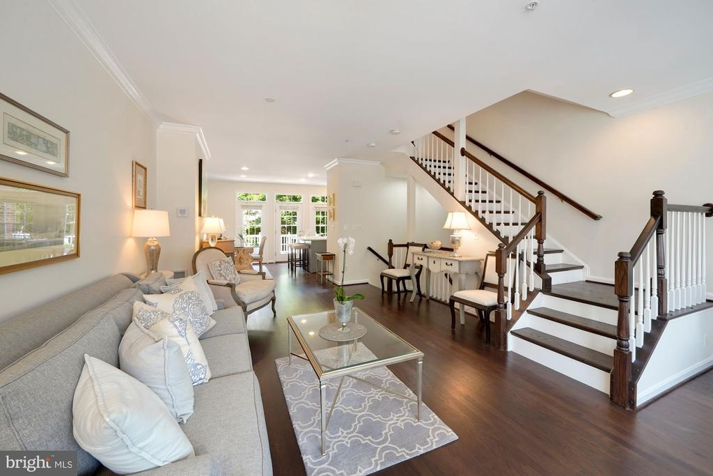 Open Main Level Living Space - 12079 CHANCERY STATION CIR, RESTON