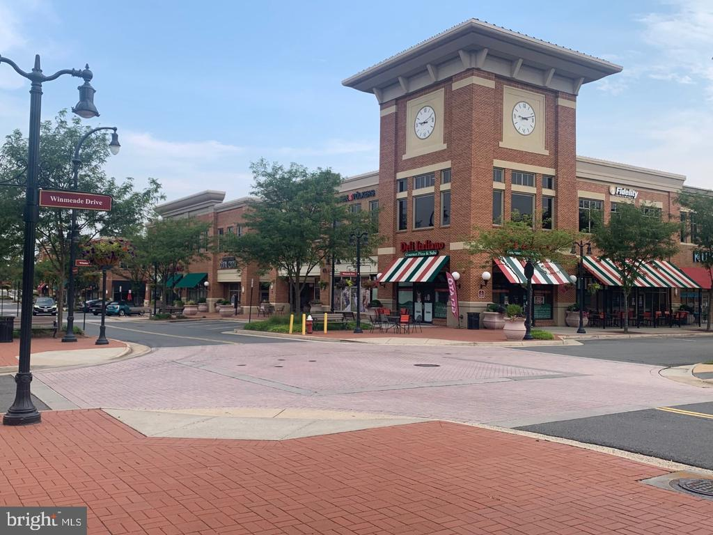 Lansdowne Town Center great shops and restaurants - 19383 NEWTON PASS SQ #R06V, LEESBURG