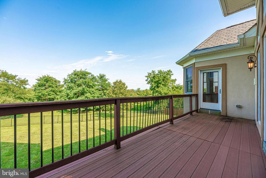 Spacious Deck that spans from Great Room to Master - 7525 OLD RECEIVER RD, FREDERICK
