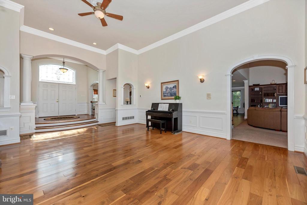 Gleaming Hardwood Floors - 7525 OLD RECEIVER RD, FREDERICK