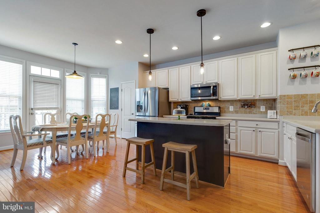 Great Space for Entertaining - 43813 LEES MILL SQ., LEESBURG
