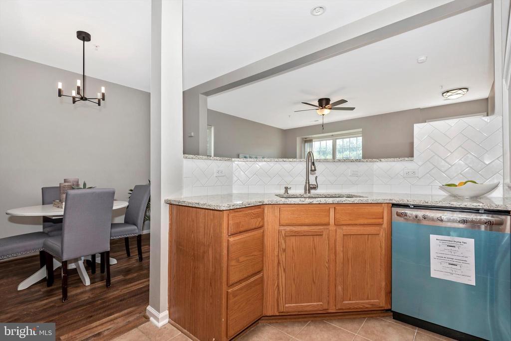 kitchen w/ new dishwasher - 5188 DUKE CT, FREDERICK