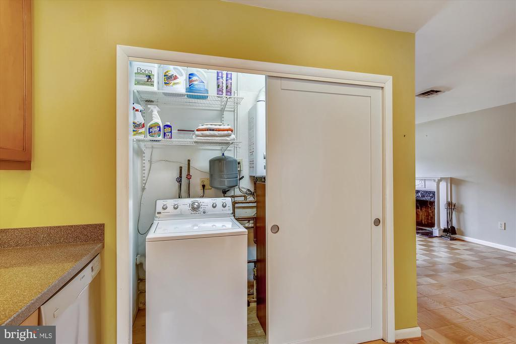 Washing Machine - 6204 EVERGLADES DR, ALEXANDRIA
