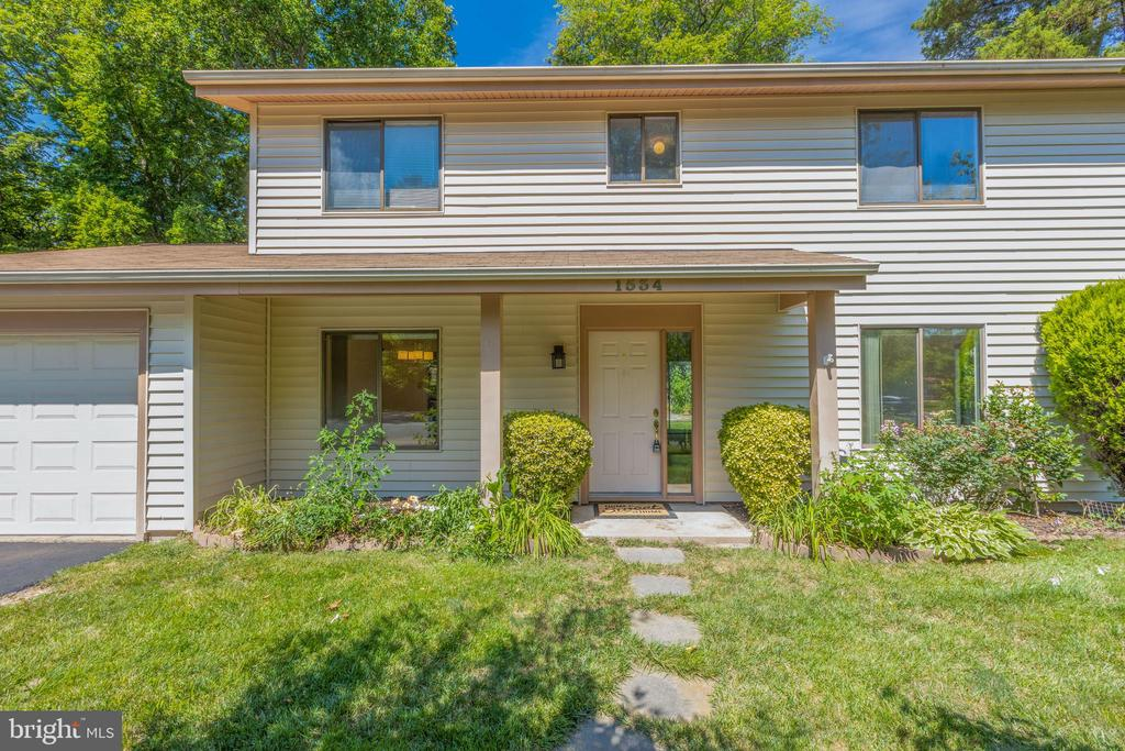 - 1534 YOUNGS POINT PL, HERNDON