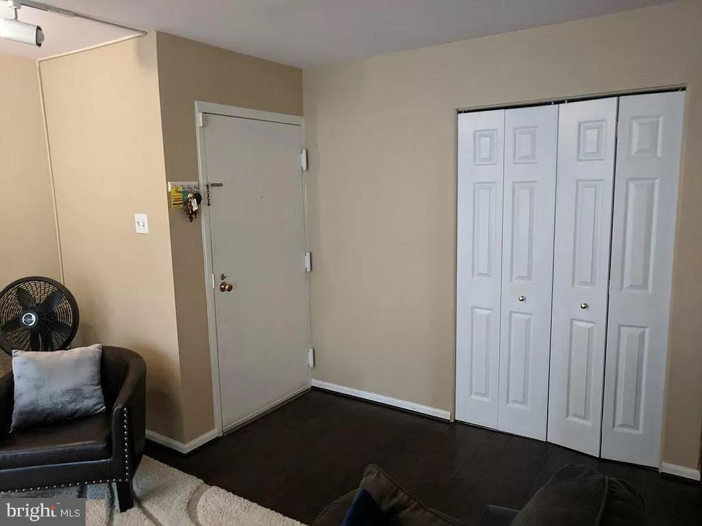 ENTRANCE AREA - 710 QUINCE ORCHARD BLVD #P-1, GAITHERSBURG