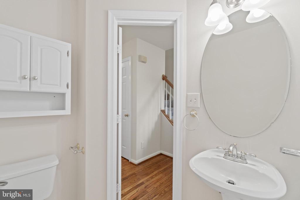 Main level powder room with new lighting - 15 SARRINGTON CT, STAFFORD