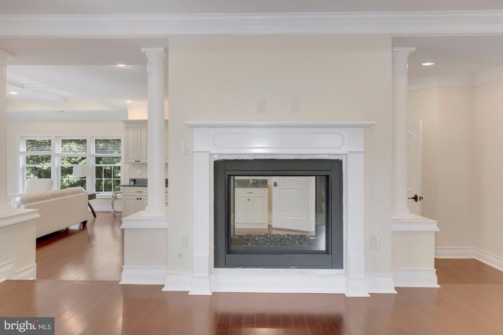 Fireplace! - 11400 ALESSI DR, MANASSAS