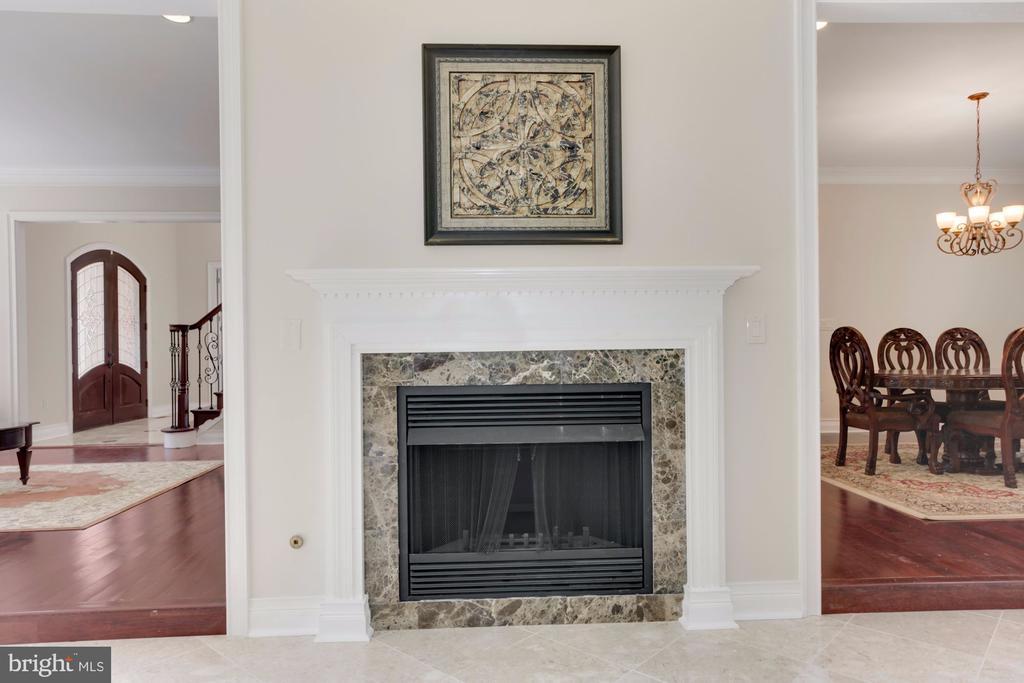 Stunning Fireplace! - 11400 ALESSI DR, MANASSAS