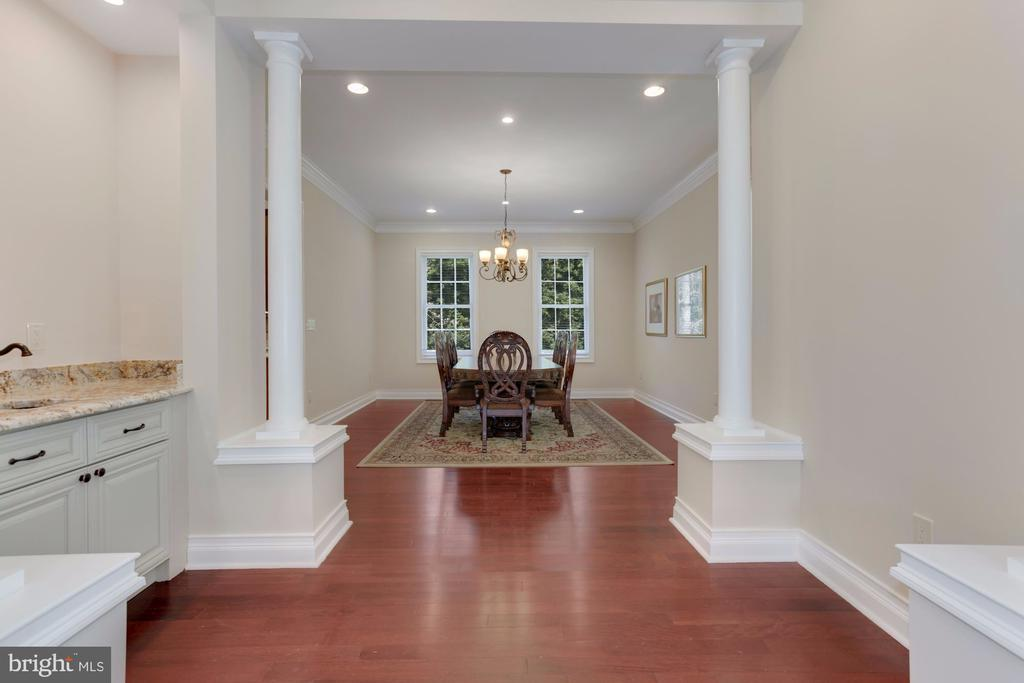Space defined by columns. - 11400 ALESSI DR, MANASSAS