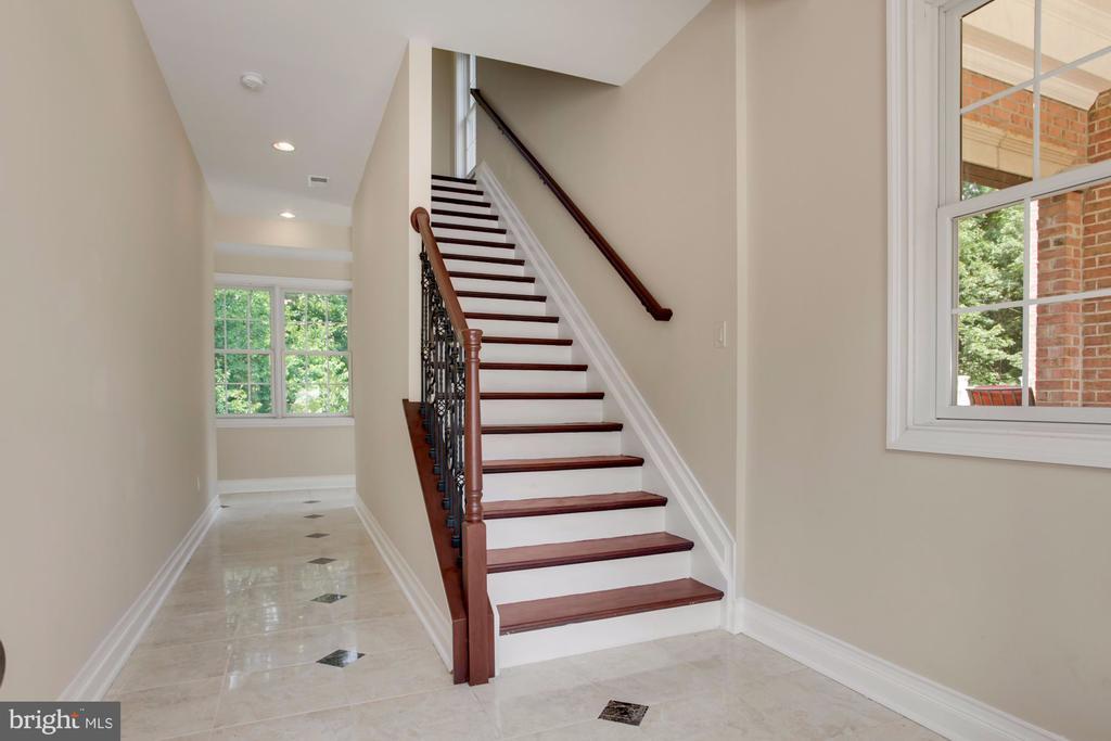 Basement Stairs - 11400 ALESSI DR, MANASSAS
