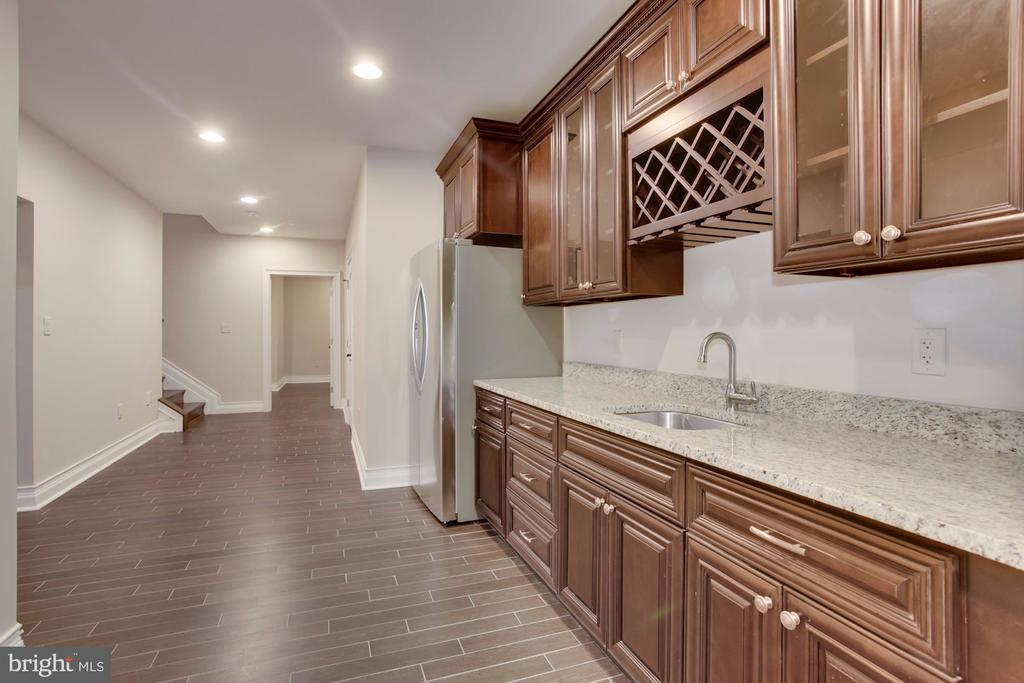 Basement Kitchen! - 11400 ALESSI DR, MANASSAS