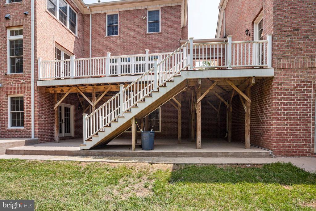 Beautiful exterior. Four Sided Brick! - 11400 ALESSI DR, MANASSAS