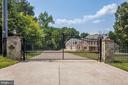 Gorgeous entry, so private! - 11400 ALESSI DR, MANASSAS