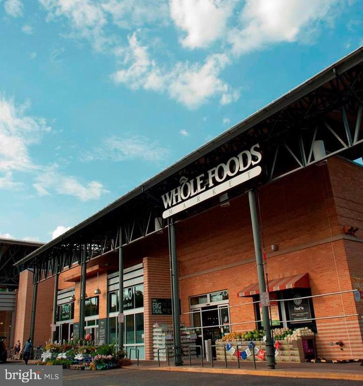 Whole Foods - 2400 CLARENDON BLVD #316, ARLINGTON