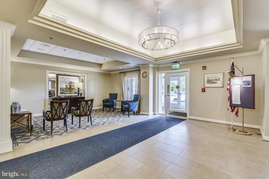 Main entry to Blue Ridge from the front door. - 19375 CYPRESS RIDGE TER #904, LEESBURG