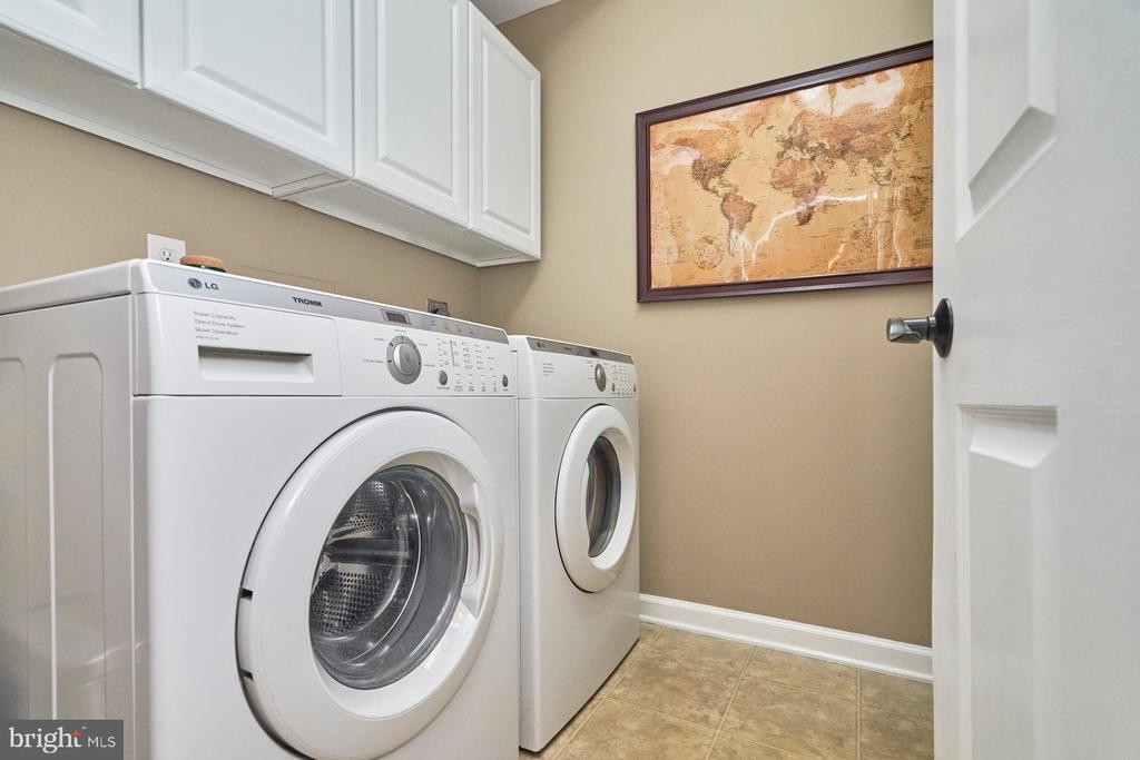 Main Level Laundry - 4291 LAWNVALE DR, GAINESVILLE