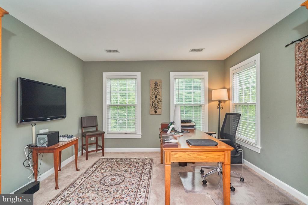 Sitting Room/Office - 4291 LAWNVALE DR, GAINESVILLE