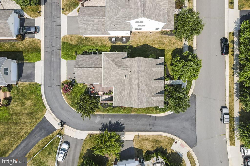 Aerial View Private Backalley for Trikes/ Chillin - 23084 PECOS LN, BRAMBLETON