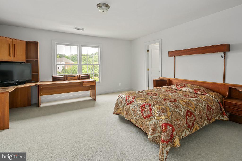 Bedroom 4 - 2792 MARSHALL LAKE DR, OAKTON