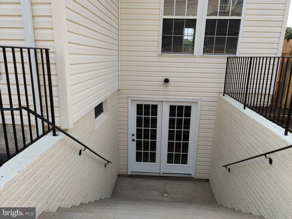 Freshly painted  walk up staircase in the rear - 11139 EAGLE CT, BEALETON