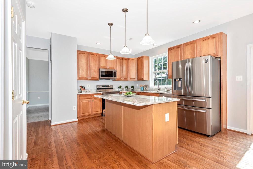 Kitchen w/ Island & SS Appliances - 303 TIGER WAY, BOONSBORO