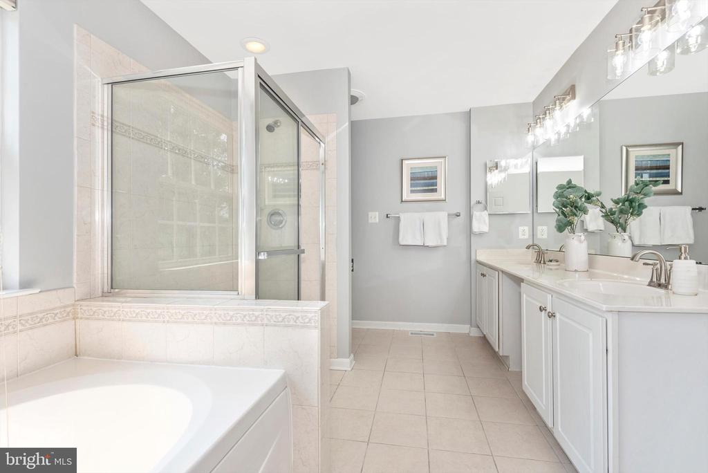 Primary Bath w/ Double Vanity - 303 TIGER WAY, BOONSBORO