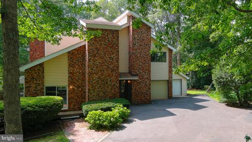 111 CHESTERFIELD CT