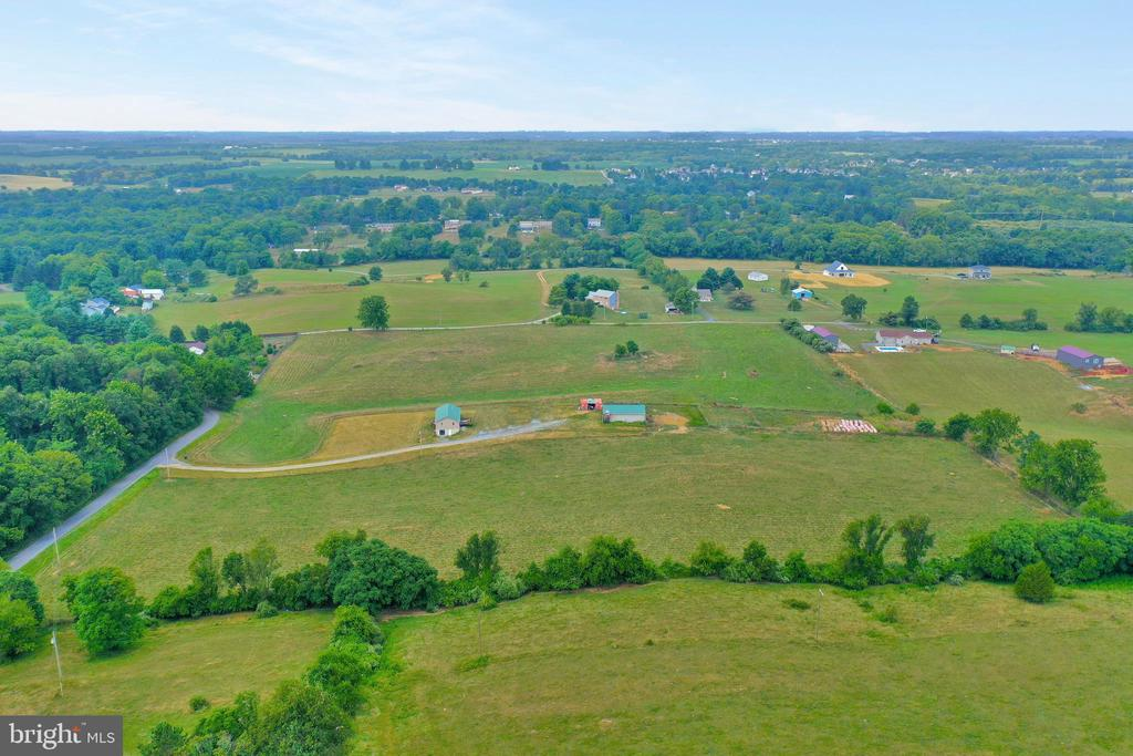 Off of Kabeltown Rd. Jefferson County - 857 MT HAMMOND, CHARLES TOWN