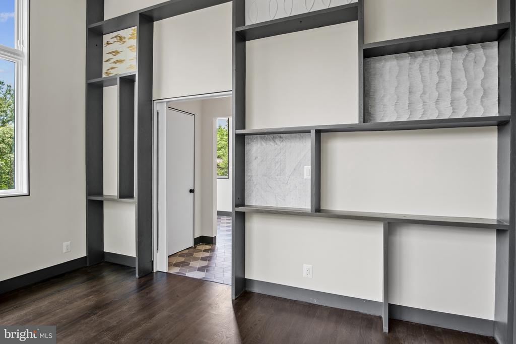 Office with accent tile wall - 1120 GUILFORD CT, MCLEAN