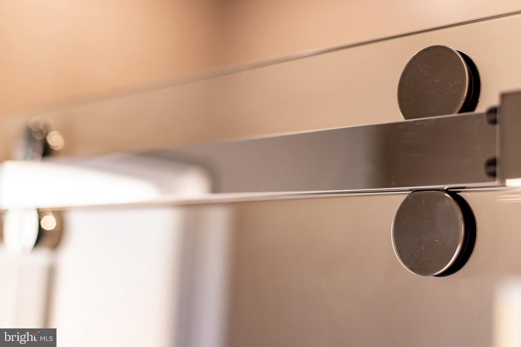 Modern sliding shower door - 1120 GUILFORD CT, MCLEAN