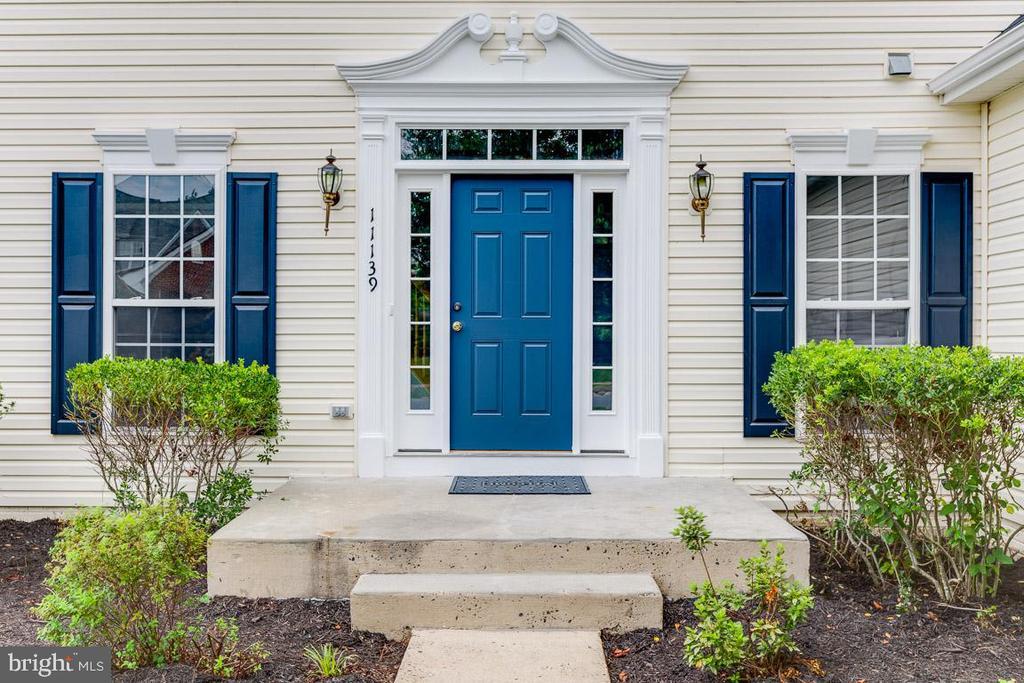 Front door - 11139 EAGLE CT, BEALETON