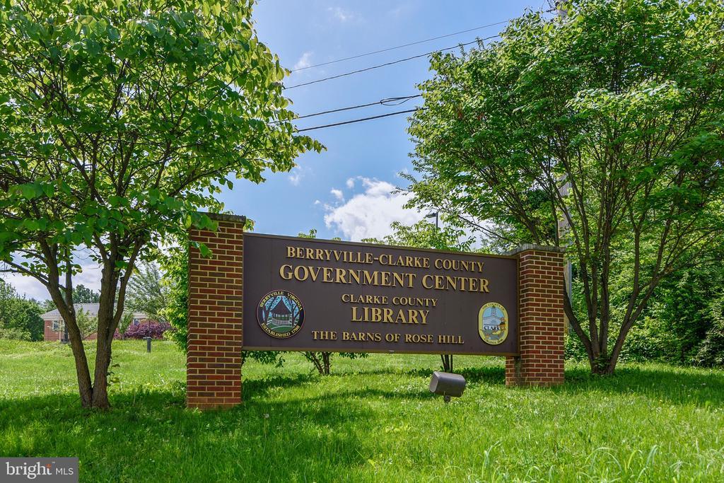 Berryville Library - 114 S BUCKMARSH ST, BERRYVILLE
