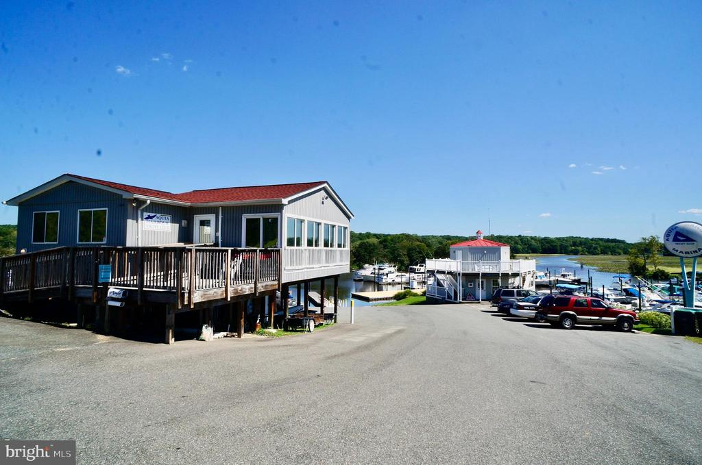 Yacht Club and Marina Store - 1122 SPAIN DR, STAFFORD