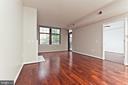 Living Room/Dining Room - 1021 N GARFIELD ST #242, ARLINGTON