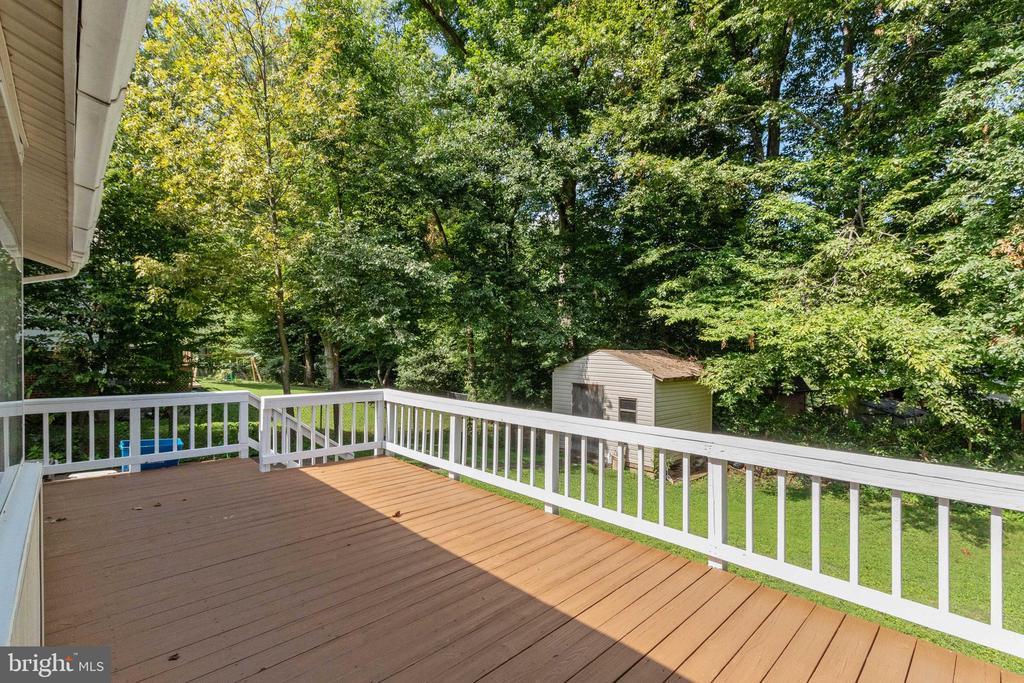 - 3526 COUNTRY HILL DR, FAIRFAX