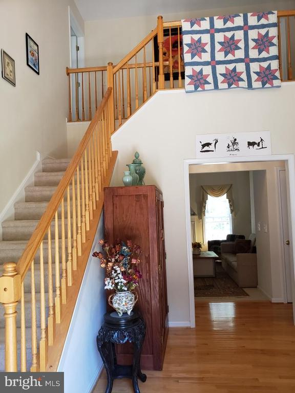 Welcome to your home - large entrance foyer - 8300 MUSKET RIDGE LN, FREDERICKSBURG