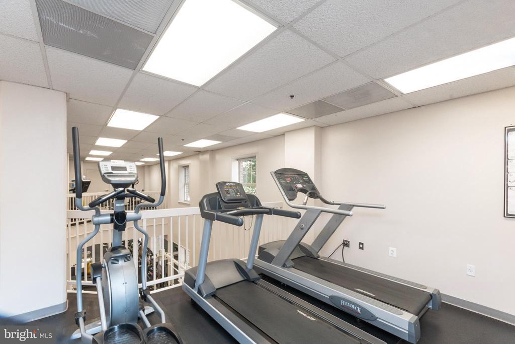 Upper level fitness area - 2181 JAMIESON AVE #2010, ALEXANDRIA
