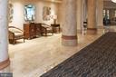 Lobby with space to gather - 2181 JAMIESON AVE #2010, ALEXANDRIA